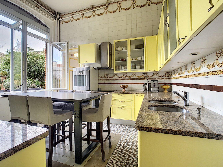 MAISON A VENDRE - ARMENTIERES - 250 m2 - 520000 €