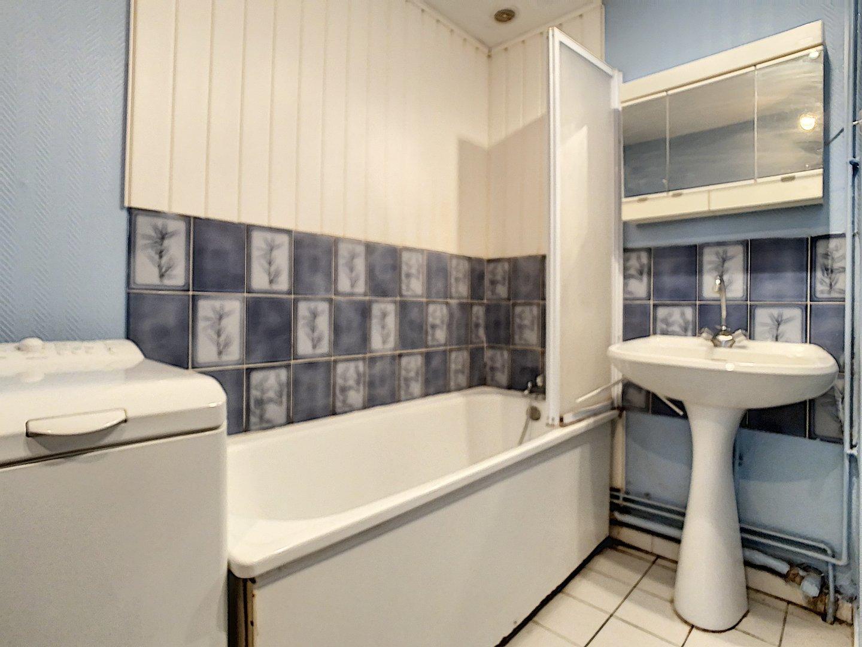 STUDIO A VENDRE - LILLE - 30 m2 - 133000 €