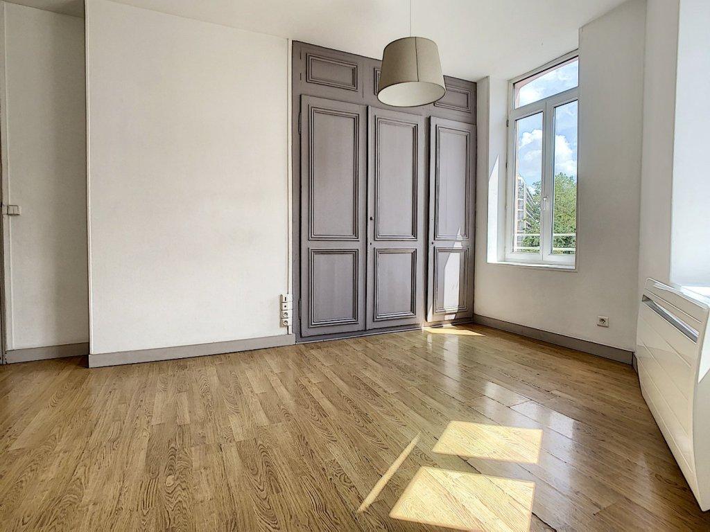 APPARTEMENT T5 A VENDRE - LILLE - 111 m2 - 334000 €
