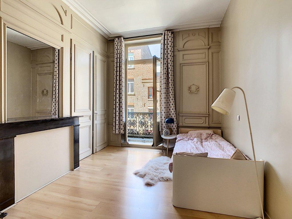 APPARTEMENT T5 VIEUX LILLE A VENDRE - LILLE - 169 m2 - 849600 €